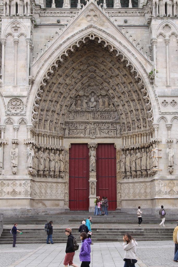 Die Kathedrale von Amiens bei Tag ...