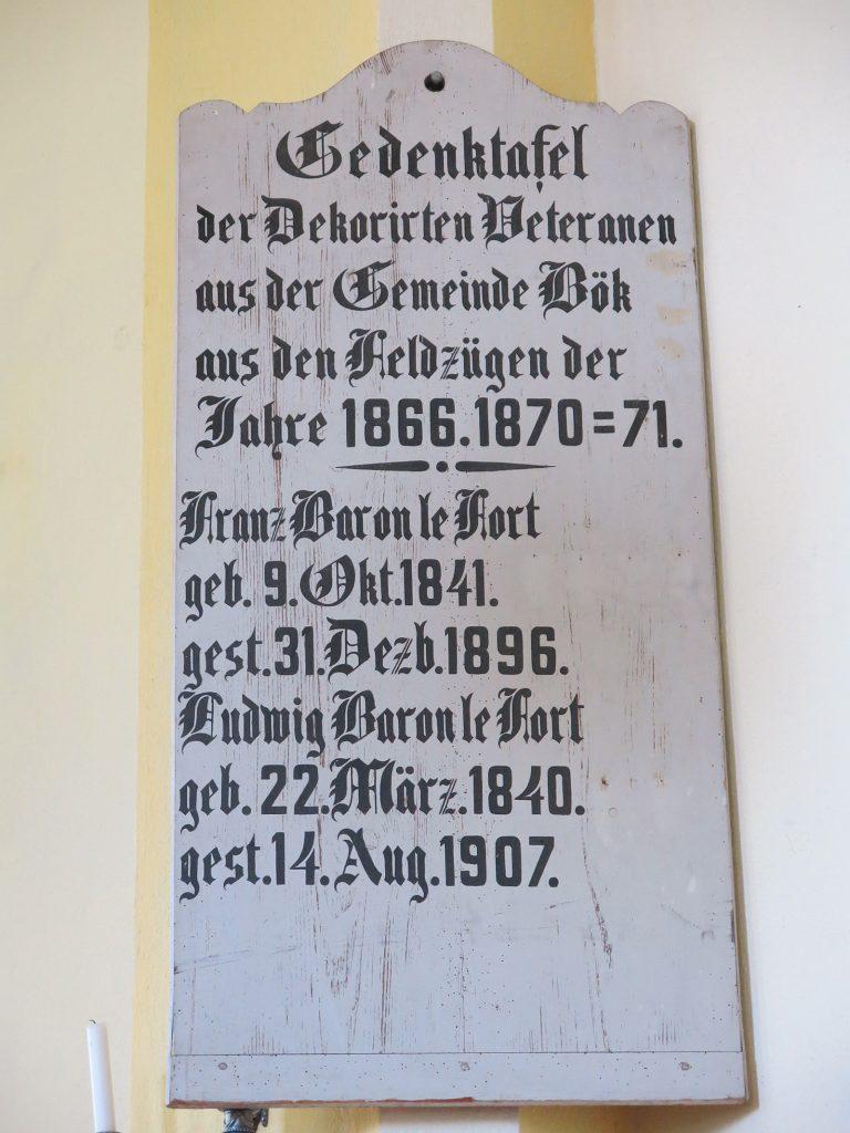 Gedenktafel im Kirchlein von Boek
