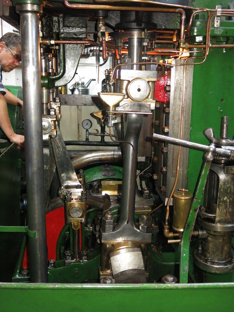 Die Dampfmaschine des Eisbrechers «Elbe» in Lauenburg
