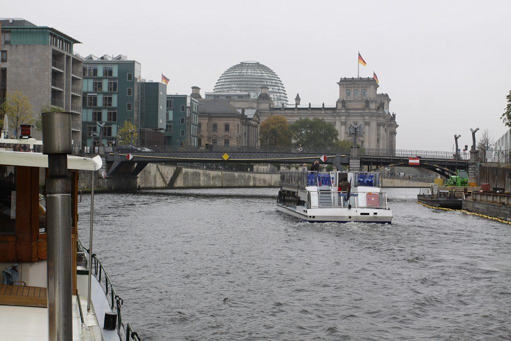 Die Glaskuppel des Bundestags-Gebäudes