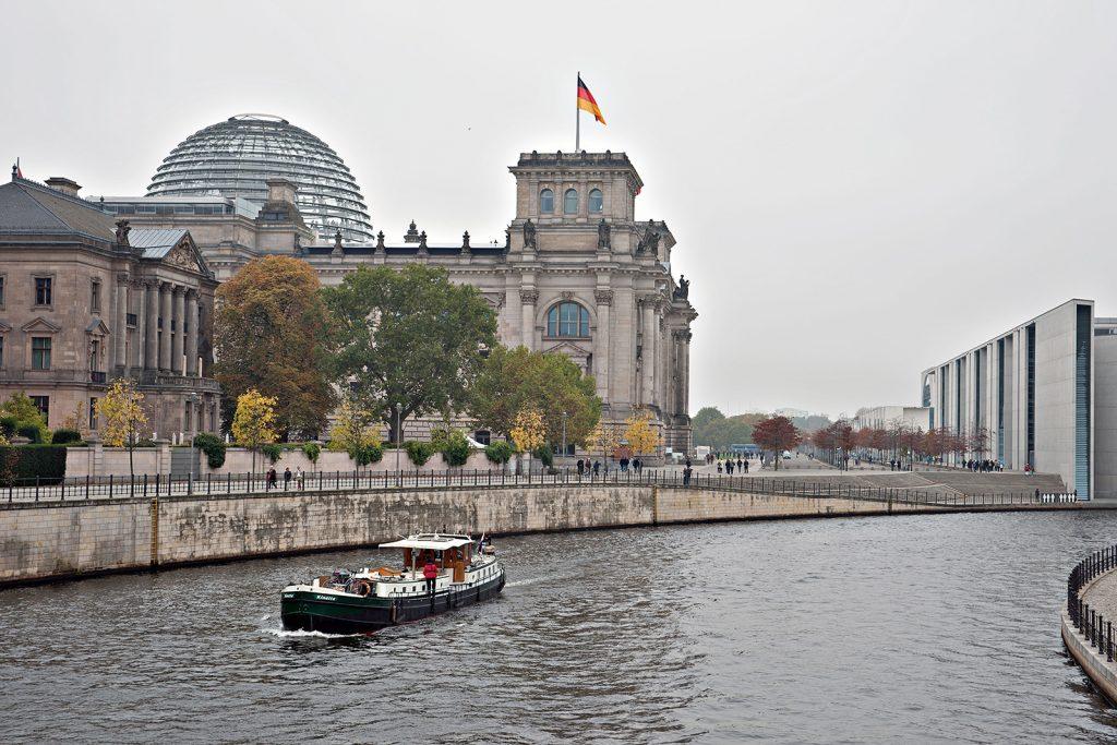 Kinette vor dem Deutschen Bundestag (Foto: Georges Pulver).