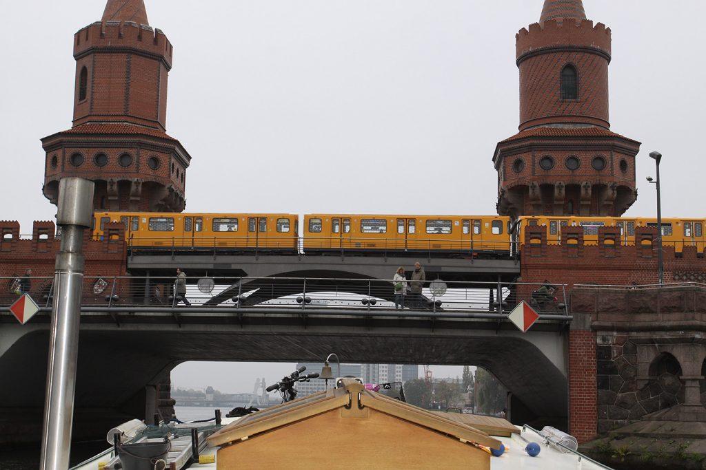 Die U1 auf der Oberbaumbrücke
