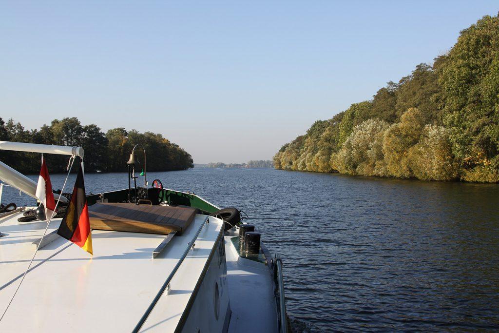 Auf dem Sacrow-Paretzer-Kanal