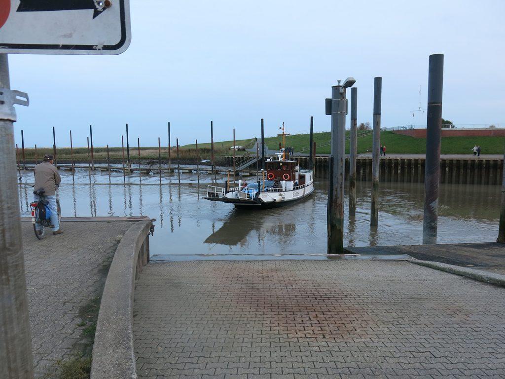 Der Hafen Ditzum bei Niedrigwasser