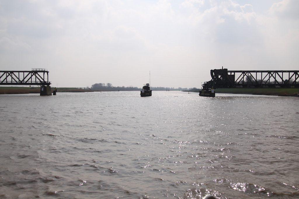 Die zerstörte Eisenbahnbrücke von Weener