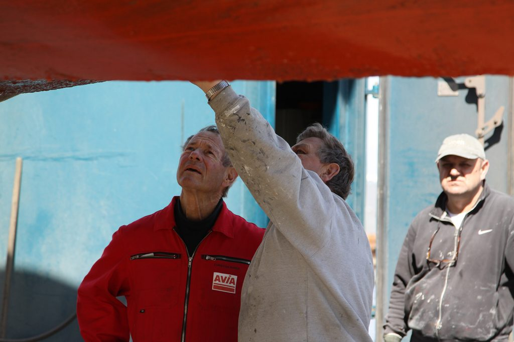 Erste Inspektion durch Schiffsmaler Durk Bloemhof