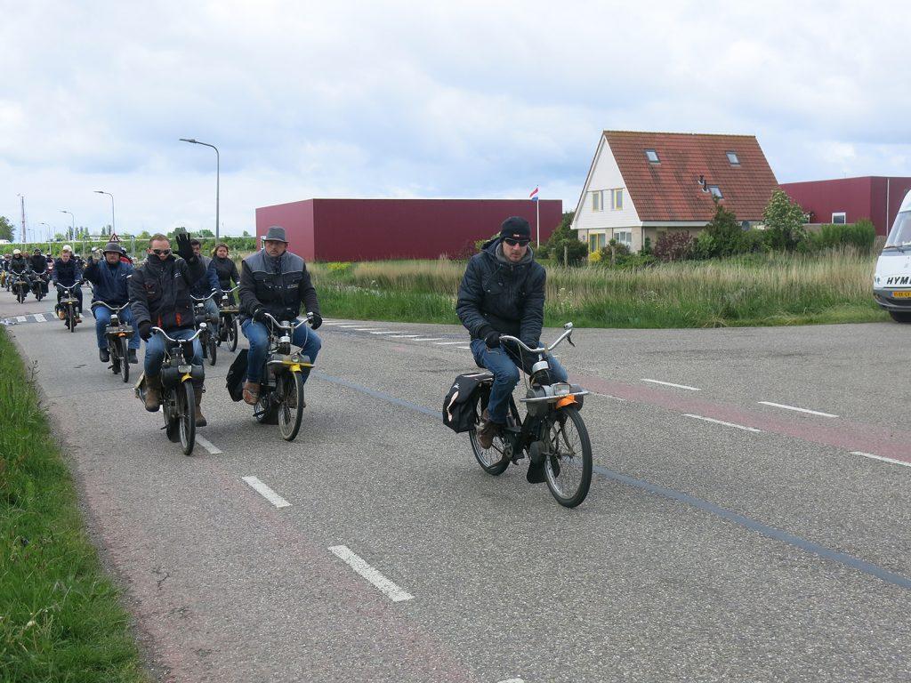 Eine Gruppe Velosolex