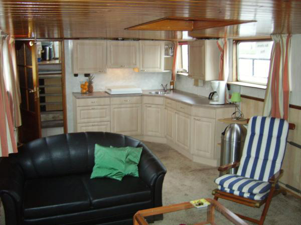 Saloon towards galley